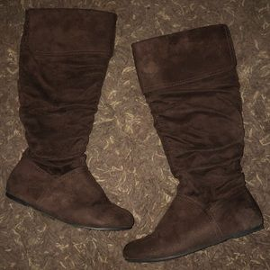 Shoes - Brown faux suede boots